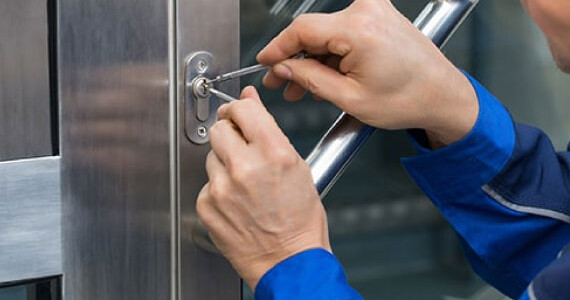 Commercial-&-Residential-Stuck-Key-Extraction-Services-in-St.-Louis