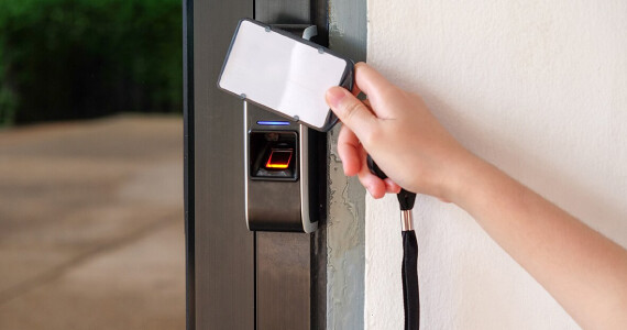 Outstanding-Card-Reader-and-Digital-Locksmith
