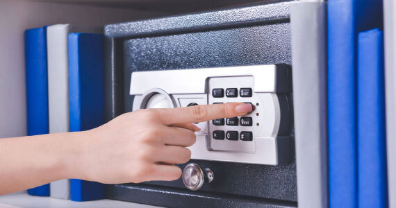 When-You-Have-to-Call-a-Safe-Locksmith